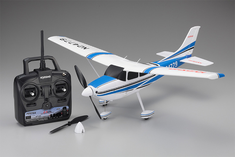 aiRium Cessna182 Skylane Blue