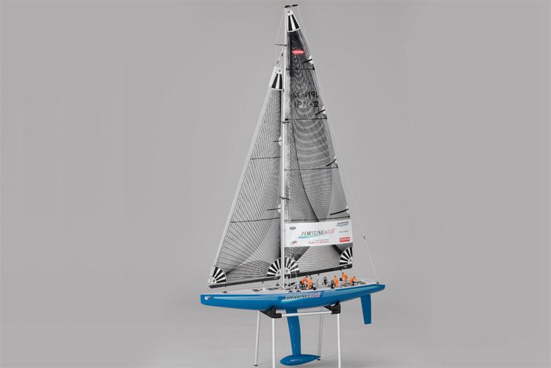 Яхта на радиоуправлении
